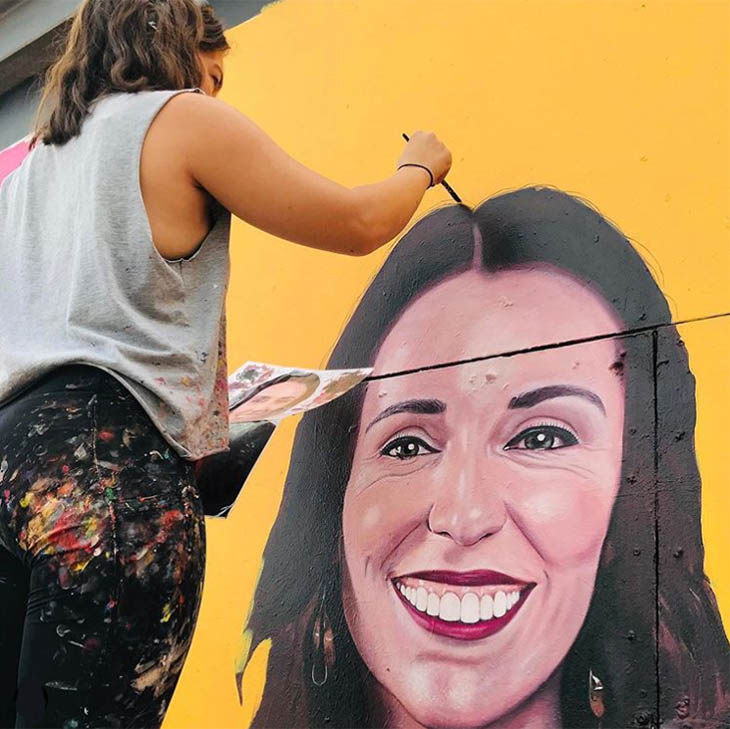 IWD streetart Laura Jackson and Shima